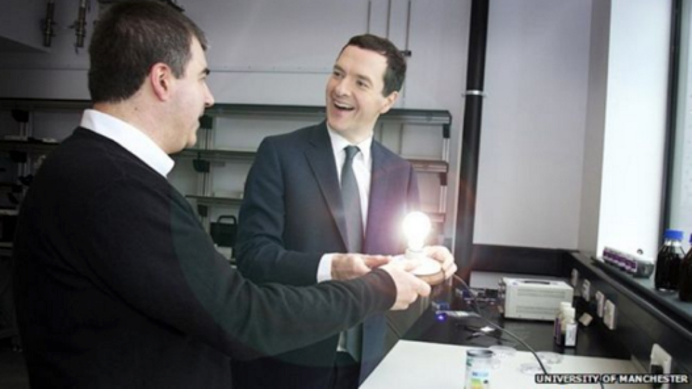 Kostya Novoselov showing the Graphene Lighting light bulb prototype to George Osborne.